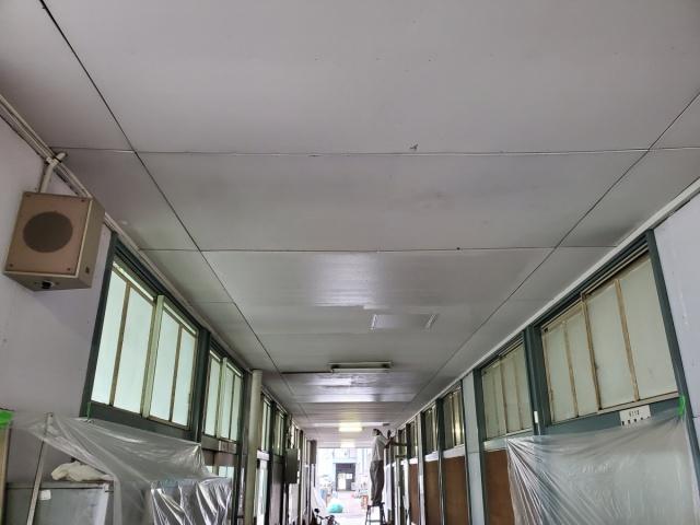廊下天井塗装後
